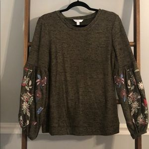 Long Belle Sleeve Top